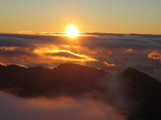 sunrise-at-haleakala